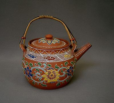 CHINE THEIERE ANCIENNE GRES de YIXING DECOR FLORAL& NUAGES MARQ SIGILLAIRE ROUGE