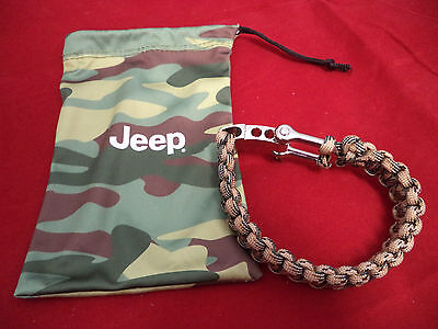 Genuine Jeep Branded Wristband Bracelet With Steel Clip   P/N 6001099349