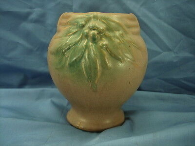 Nelson Mccoy 1920's Raised Leaves And Berries 7 Inch Vase Excellent Condition