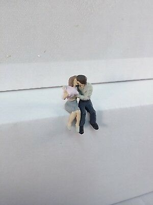 Arttista Young Lovers Kissing and ... #1292 - O Scale On30 On3 Figures People