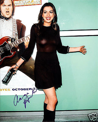 Anne Hathaway Autograph Signed Pp Photo Poster