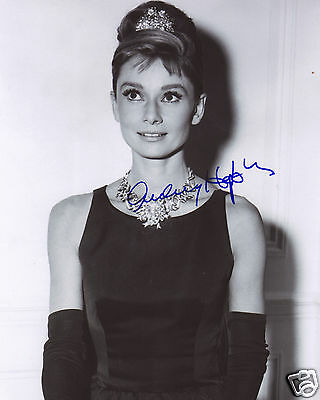 Audrey Hepburn Autograph Signed Pp Photo Poster