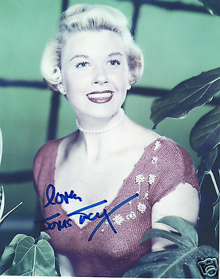 Doris Day Autograph Signed Pp Photo Poster