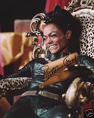 Eartha Kitt Autograph Signed Pp Photo Poster