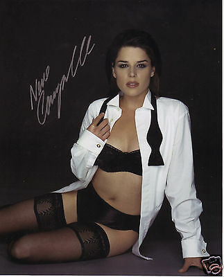 Neve Campbell Autograph Signed Pp Photo Poster