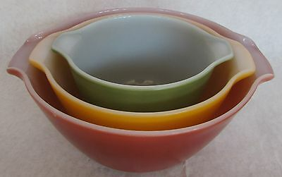 Set Of 3 Anchor Hocking Fire King Tri Color Mid Century Nesting Mixing Bowls