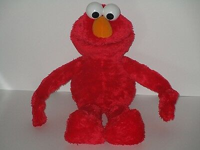 Hasbro Sesame Street Hug Me Elmo 22 Plush Muppet Singing Talking