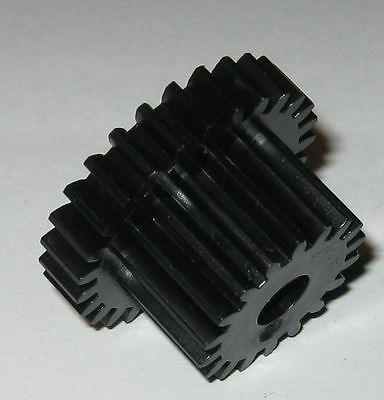 Thermoplastic Metric Dual Spur Gear - 6 mm Bore - 27 Teeth - 28.5 / 19.5 mm OD