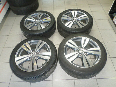 "Holden VF Commodore 1 x 18"" Mag Wheel-sold separately- S/N# B9404"