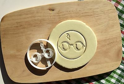 Harry Potter Cookie Cutter Solemnly Mischief Cupcake Topper Fondant Gingerbread