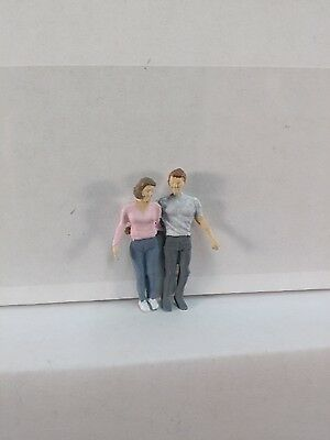 Arttista Teenage Couple Walking #1116 - O Scale On30 On3 Figures People - New