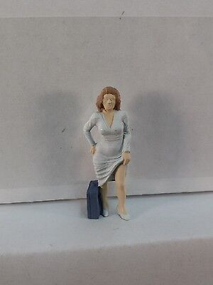 Arttista Hitchhiking Woman #1178 - O Scale On30 On3 Figures People - Artista New