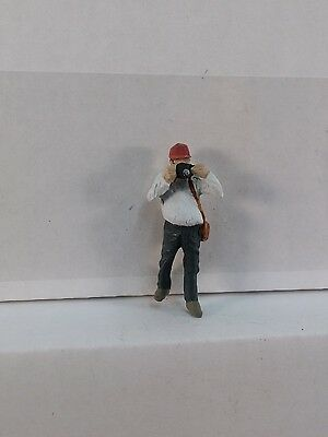 Arttista Railfan - Photographer Standing with Camera- #1518 - O Scale On30 On3