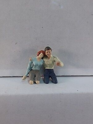 Arttista Lovers / Couple Driving - #1338 - O Scale On30 On3 Figures People - New