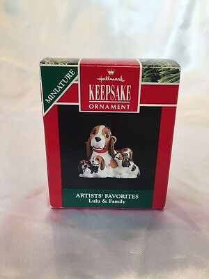 Lulu and Family 1991 Hallmark Mini Christmas Ornament  Dog  Puppy  Basset Hound