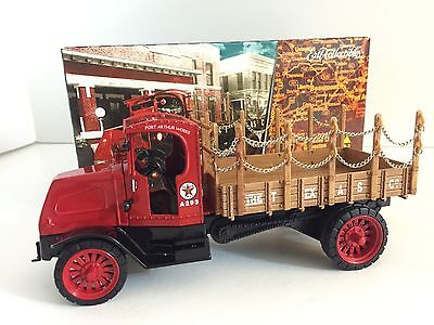 ERTL 1918 Mack AC Bulldog Flatbed Truck 1:32 Scale  Die Cast Bank