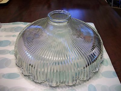Beautiful Vintage Ribbed Pattern Glass Light Globe