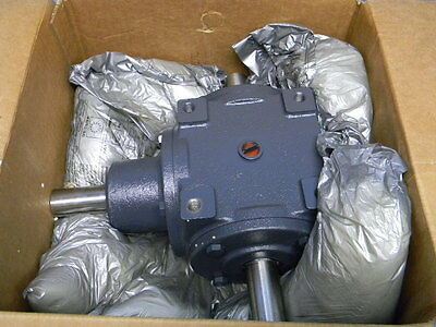NEW HUB CITY Model 66 3/1-Ratio AB SP Bevel Gear Drive 15.4HP 0220-03601 Gearbox