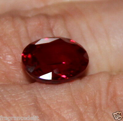 8,15 carats ct Splendide saphir rouge VVS 13,4 X 10,5 X 6,1mm