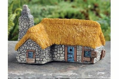 Miniature Fairy Garden Micro Mini Thatched Roof Country House / Garden  GO 17355