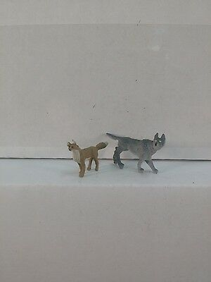 Arttista 1 Wolf and 1 Fox #1350 - O Scale On30 On3 Figures Artista - New
