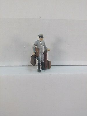 Arttista Chauffer with Bags #1357 - O Scale On30 On3 Figures - New