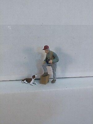 Arttista Man & Dog as Spectators - #1462 - O Scale On30 On3 Figures - New