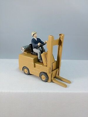 Arttista Forklift with Driver #9001 - O Scale On30 On3 Figures People -  New