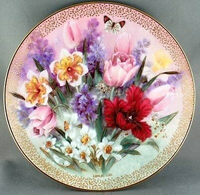 Lena Liu Tulip Ensemble Collector Plate Symphony in Shimmering Beauty