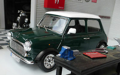 Austin Rover Mini Classic Cooper Green LGB G 1:24 Scale Diecast Detailed Model