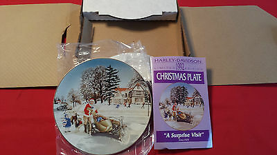 """Nos 1992 Limited Edition Harley Davidson  Christmas Plate """"a Surprise Visit"""""""