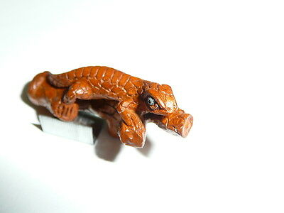 "Awesome Lizard on A Branch Hand Carved Boxwood Wood Button 1-5/8"" x 3/4"""