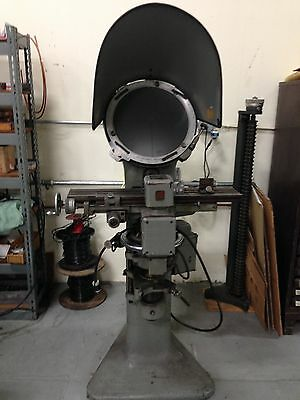 Comparator & Measuring Machine - Jones & Lamson Machine Co. Model PC-14