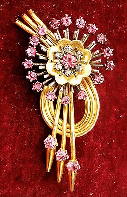 SUPERB ANTIQUE PINK &  CLEAR RHINESTONES SPARKLED GOLD PLATED DRESS CLIP.c 1940'