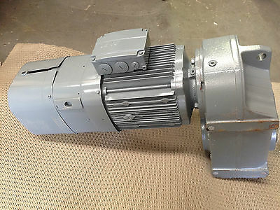 SEW EURODRIVE Parallel Shaft Gear motor 3 Phase 2.2KW DRE112M6BE5HR/TF/ES7C