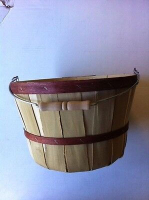 Wood One Peck Basket Natural w/Brown Colored bands w/handle 4 count