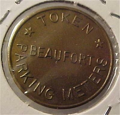 Parking Meter Token-Courtesy Beaufort Mechants  = 3790C