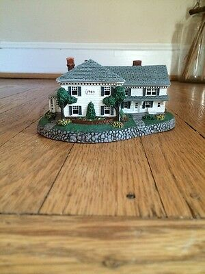 "Norman Rockwell figurine ""Rockwell's Residence"""