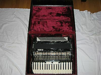 Vintage Moreschi 2 Shifts 120 Button 41 Key Accordion Made in Italy w/ Case
