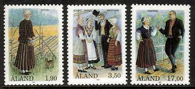 Aland Mnh 1993 Sg68-70 Costumes Set Of 3