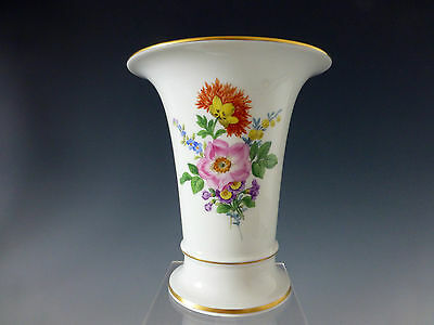 meissen vase trichtervase 16 cm hoch blumen mit goldrand guter zustand eur 165 00 picclick de. Black Bedroom Furniture Sets. Home Design Ideas
