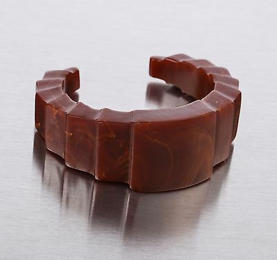 VTG 1930s BROWN MARBLEIZED BAKELITE ART DECO CARVED CUFF BRACELET