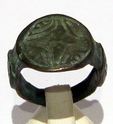 Beautiful Post-Medieval Bronze Ring With Engraving Cross On The Top # 494