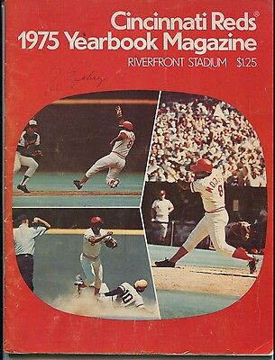 Psa/dna 1975 Cincinnati Reds World Series Champs Team Autographed Yearbook
