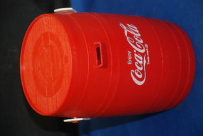 Coca-Cola Barrel Drinking Cup Straw Hat Promotion 1970s Collectable