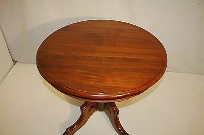 Great Victorian Solid Walnut Round Parlor Table on Casters, c. 19th Century