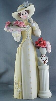 Avon President's Club Mrs Albee Award Figurine 2005-2006