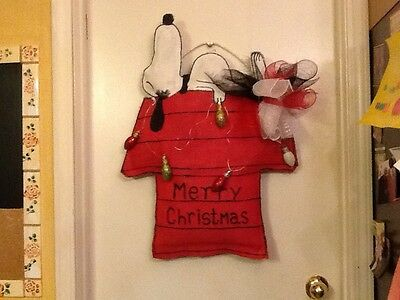 Snoopy. Christmas Door Hanger
