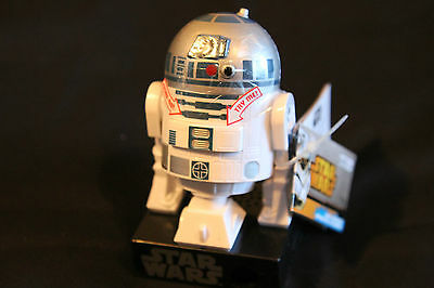 """Star Wars R2D2 Mini Dispenser Talking Sound NWT 4"""" New With Candy"""