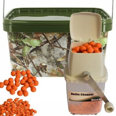 Square Camo Bait Bucket 12l and Mistral Grinder Krusha for Boilies Pellets